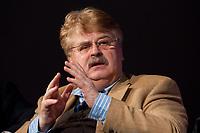 12 JAN 2010, KOELN/GERMANY:<br /> Elmar Brok, MdEP, CDU, Mitglied des Vorstandes EVP Faktion, Diskussion &quot;Das Europaeische Parlament - gestaerkt durch den Lissabon-Vertrag?&quot;, dbb Jahrestagung &quot;Europa nach Lissabon - Fit fuer die Zukunft?&quot;, Messe Koeln<br /> IMAGE: 20100112-01-130