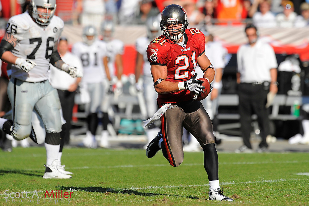 Tampa, Fl: Dec 28, 2008 -- Tampa Bay Buccaneers safety Sabby Piscitelli (21) during the Bucs game against the Oakland Raiders at Raymond James Stadium....©2008 Scott A. Miller