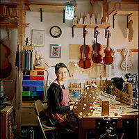Gabriela Guadalajara, Luthier