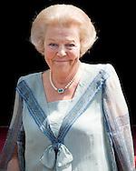 Prinses Beatrix en Koning Willem-Alexander waren aanwezig bij de uitreiking van de Zilveren Anjers van het Prins Bernhard Cultuurfonds in het Koninklijk Paleis Amsterdam.
