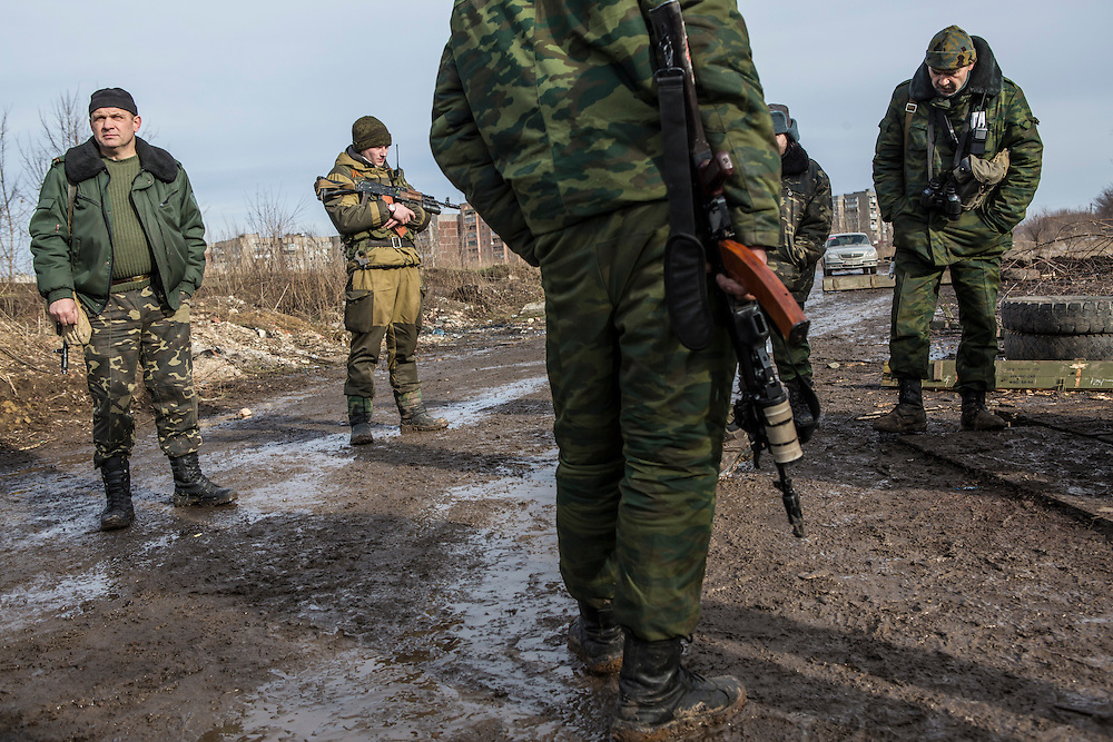 GORLOVKA, UKRAINE - JANUARY 31, 2015: Rebel fighters at a front-line position in Gorlovka, Ukraine. Fighting in Ukraine has intensified over the last week, with rebels declaring the end of a September ceasefire. CREDIT: Brendan Hoffman for The New York Times