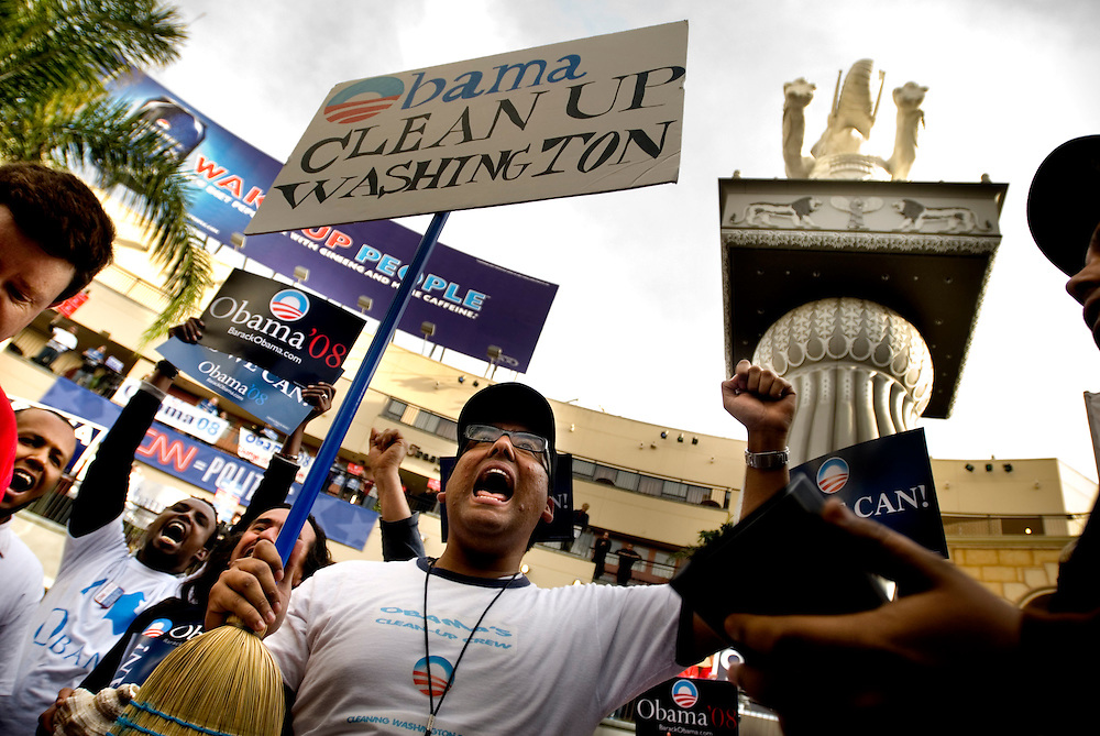 Democratic debate between Hillary Clinton and Barack Obama at the Kodak Theatre in Hollywood, California. Supporters for both candidates gather outside to watch the debate on a big screen, and show their support..Photographer Chris Maluszynski /MOMENT