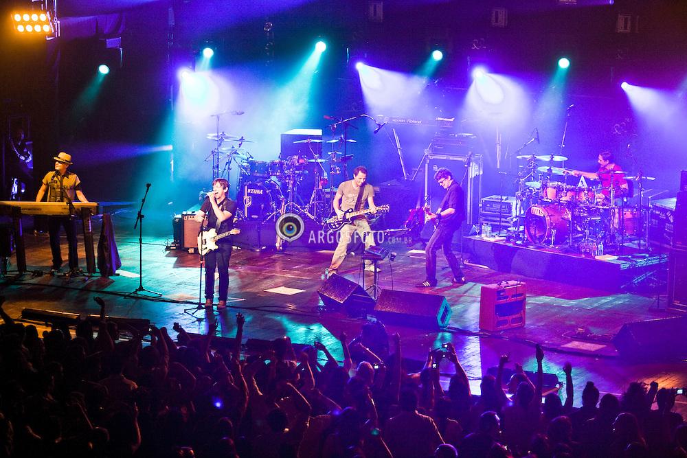 Sao Paulo, 12/12/2007. A banda de rock Titas ( Paulo Miklos, Tony Belloto , Branco Mello, Sergio Britto, Charles Gavin) apresenta-se  no Via Funchal em Sao Paulo. / Titas are one of the most successful rock bands in Brazil