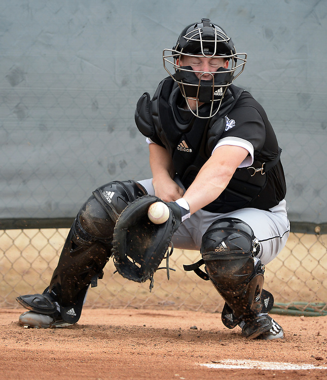 GLENDALE, ARIZONA - FEBRUARY 18:  Zach Collins #86 of the Chicago White Sox catches during spring training workouts on February 18, 2017 at Camelback Ranch in Glendale Arizona.  (Photo by Ron Vesely)   Subject:  Zach Collins
