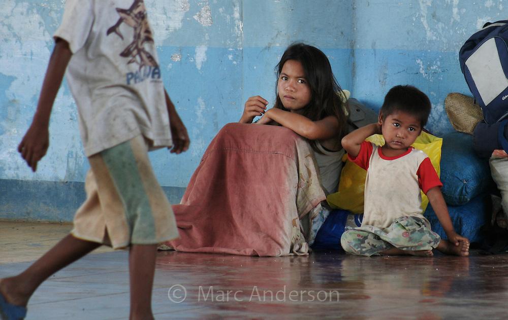 Poor homeless children, Palawan, Philippines