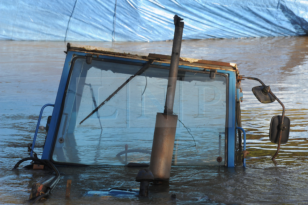 wateringbury flooding kent london news pictures. Black Bedroom Furniture Sets. Home Design Ideas