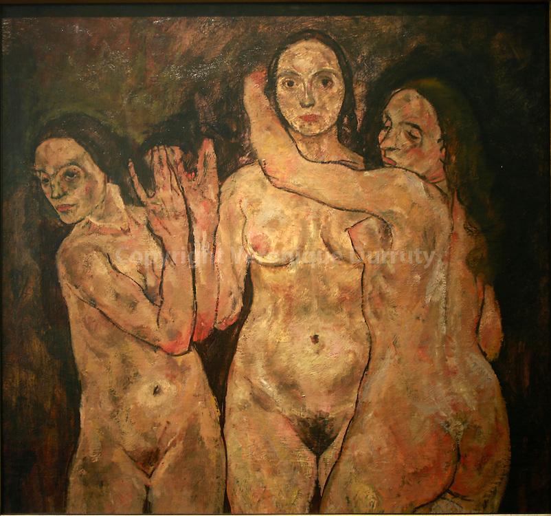 Egon Schiele, Tree standing women, 1918, Leopold Museum, Vienna, Austria // Egon Schiele, 3 femmes debout, 1918, Musee Leopold, Vienne, Autriche