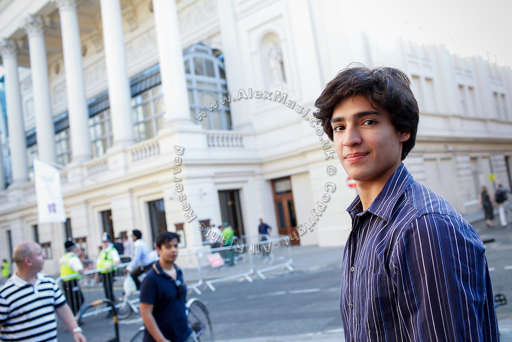 Joan Sebastian Zamora is portrayed in London, United Kingdom