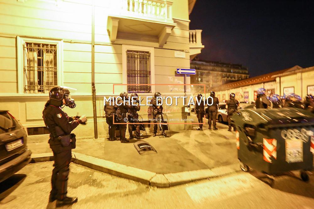Manifestazione contro  la costruzione di un nuovo centro commerciale e appartamenti di lusso nell'area dello storico stabilimento Officine-Fonderie Frejus, Automobili Diatto, nel quartiere San Paolo di Torino.