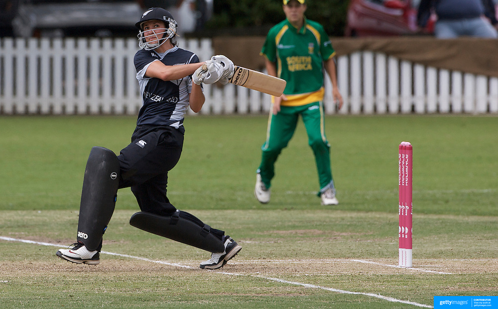Sara McGlashan batting during the South Africa  V New Zealand group A match at Bradman Oval in the ICC Women's World Cup Cricket Tournament, in Bowral, Australia on March 12, 2009. New Zealand won the match by 199 runs. Photo Tim Clayton
