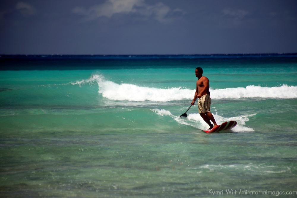 Honolulu; Waikiki; Hawaii; island; Pacific; beach; watr; ocean; sea; waves; surfing; surfer; surf; bay; Oahu; warm; tropical; Hawaiian; USA; activity; sport; vacation;
