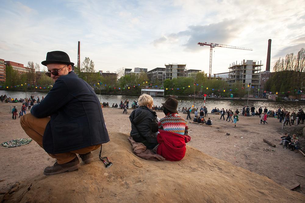 Germany - Deutschland - HOLZMARKT Projekt (Bar 25 / Katerholzig) Opening - 1. Mai 2013; Berlin-Mitte; Spreeufer © Christian Jungeblodt