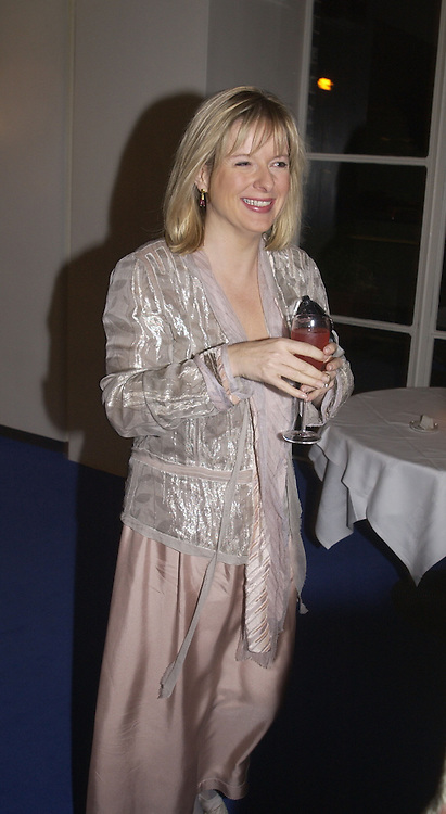 Allison Pearson. party for Anthony Lane's book hosted  given by David Remnick, editor of the New Yorker. River Cafe. 12 November 2002.  © Copyright Photograph by Dafydd Jones 66 Stockwell Park Rd. London SW9 0DA Tel 020 7733 0108 www.dafjones.com