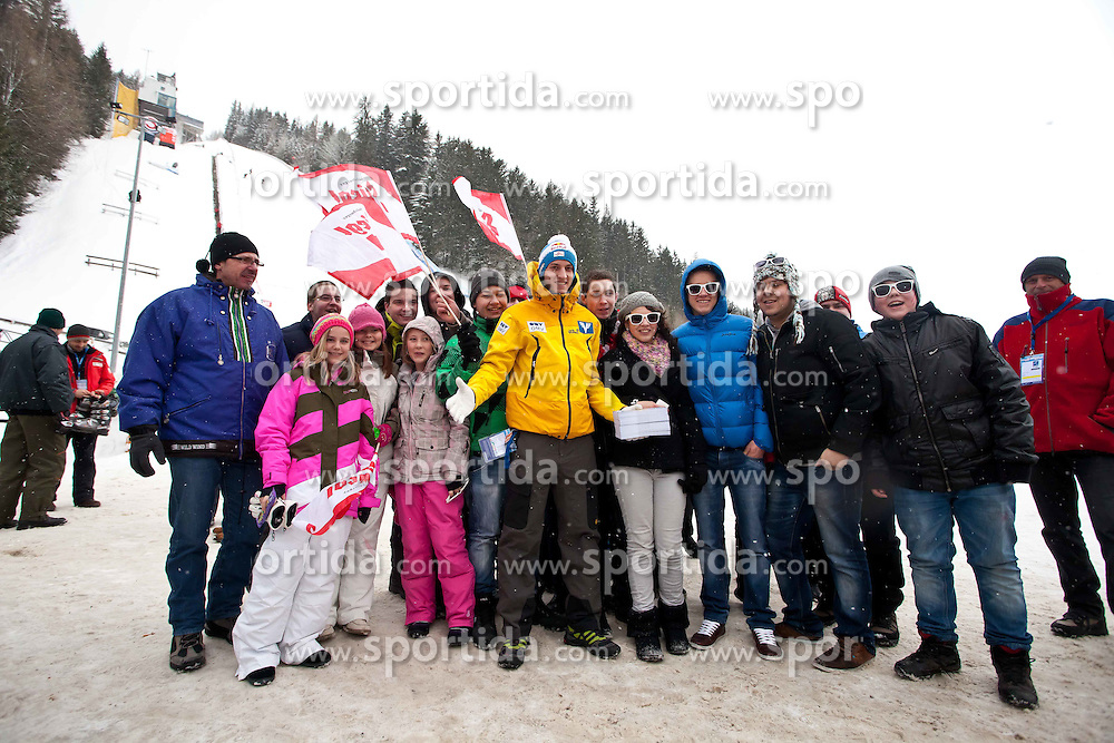13.01.2012, Kulm, Bad Mitterndorf, AUT, FIS Ski Flug Weltcup, Probesprung, im Bild nahm sich für seine Fans nach der Absage des ersten Tages Zeit, Gregor Schlierenzauer (AUT) vor der Schanze am Kulm // took time for his fans after the cancellation of day one, Gregor Schlierenzauer (AUT) in front of the hill at the Kulmduring the Practice Jump of FIS Ski Flying World Cup at the 'Kulm', Bad Mitterndorf, Austria on 2012/01/13, EXPA Pictures © 2012, PhotoCredit: EXPA/ Juergen Feichter