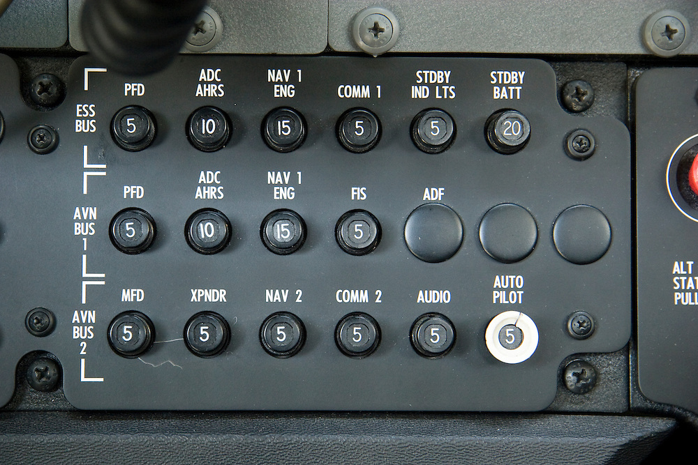 Circuit breakers on a (late model, G1000 EFIS equipped) Cessna 172