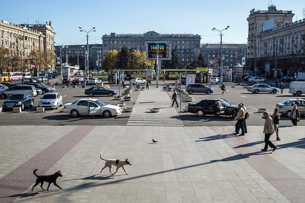 DNIPROPETROVSK, UKRAINE - OCTOBER 10: Petrovskoho Square in front of the train station on October 10, 2014 in Dnipropetrovsk, Ukraine. The United Nations has registered more than 360,000 people who have been forced to leave their homes due to fighting in the East, though the true number is believed to be much higher.(Photo by Brendan Hoffman/Getty Images) *** Local Caption ***