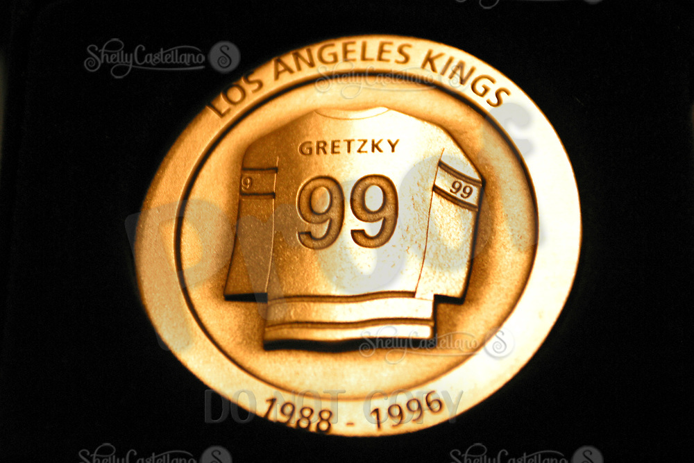 Oct 07, 2002; Los Angeles, CA, USA; Silver coin given out to guests at the Wayne Gretzky Jersey Retirement Charity Dinner at th Staples Center. <br /> Mandatory Credit: Photo by Shelly Castellano/&copy;SCPIX.