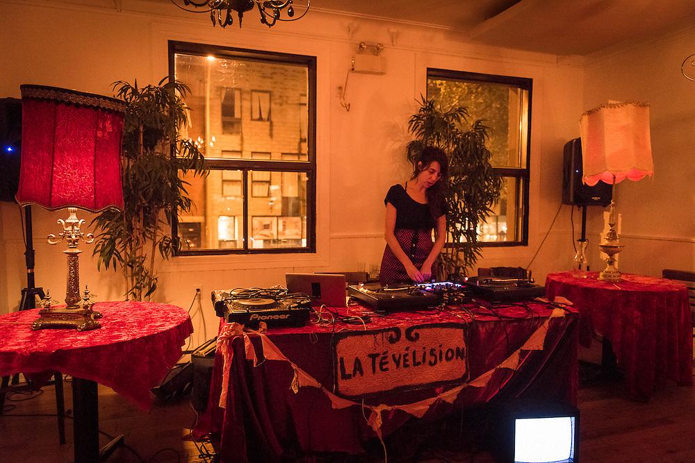 DJ JULIE DELORME<br /> QUARTIER G&Eacute;N&Eacute;RAL. La Sala Rossa. Mardi 18 octobre 2016.