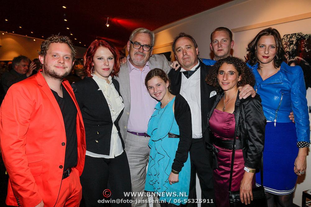 NLD/Amsterdam/20121007- Premiere Aspects of Love, Ernst Daniel Smid met kinderen Coosje met partner, Lieneke, Geerd en zijn broer Marcel