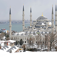 USE ARROWS &larr; &rarr; on your keyboard to navigate this slide-show<br /> <br /> Istanbul, Turkey 18 February 2008 <br /> View of a snow-covered Blue Mosque, Istanbul. <br /> Photo: Ezequiel Scagnetti