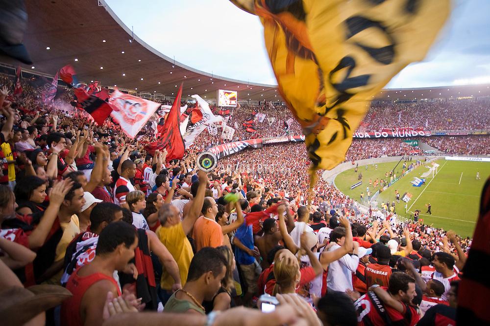 Maracana, no Rio de Janeiro. Torcida do Flamengo. Disputa da final do campeonato estadual 2008. Flamengo 3 x 1 Botafogo. /  Final game of Rio de Janeiro State Championship. Flamengo 3 x 1 Botafogo. Flamengo's football/soccer team -- the most popular in Brazil with 40 million estimated supporters.