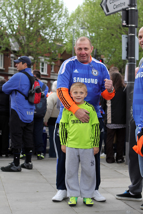 Setting up for the Chelsea Champions League victory parade near Eel Brook Common, in Parsons Green, south-west London - 20th May 2012