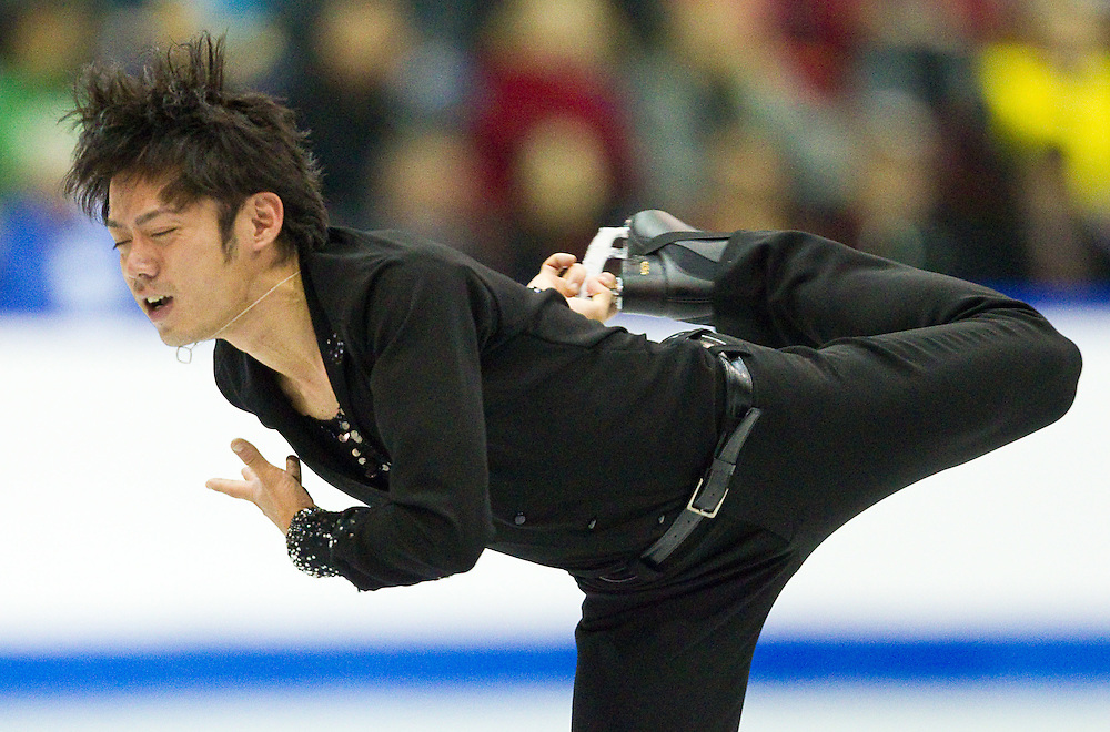 GJR433 -20111029- Mississauga, Ontario,Canada-  Daisuke Takahashi of Japan skates to a bronze medal in the mens competition at Skate Canada International, in Mississauga, Ontario, October 29, 2011.<br /> AFP PHOTO/Geoff Robins