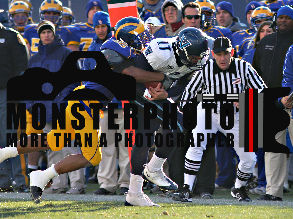 NEWARK, Del. (Nov. 22, 2008) -- Villanova ran up 317 yards on the ground led by Aaron's Ball's 105 yards and two touchdowns as the Wildcats downed Delaware 21-7 Saturday afternoon at Delaware Stadium in the Blue Hens' final football game of the 2008 season. Delaware, which got its only points on a 34-yard scoring strike from Robby Schoenhoft to Martwain Johnston (above) in the final quarter, closed out a disappointing, injury-plagued season with a record of 4-8.