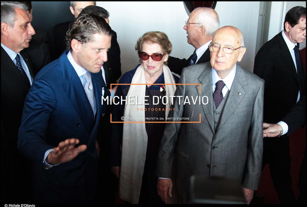 Nella foto Lapo Elkann e il presidente Napolitano..Torino 19 marzo 2011 in occasione della visita il presidente della Repubblica al rinnovato Museo dell'Automobile Lapo Elkann da vero padrone di casa, impeccabile a suo modo: camicia bianca, cravatta grigia e vestito blu elettrico.