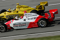 Helio Castroneves and Tomas Scheckter at the Kentucky Speedway, Kentucky Indy 300, August 14, 2005