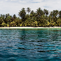 The secluded and tropical San Blas Islands in the Carribean Sea of Panama. A five image super large and high resolution panoramic.