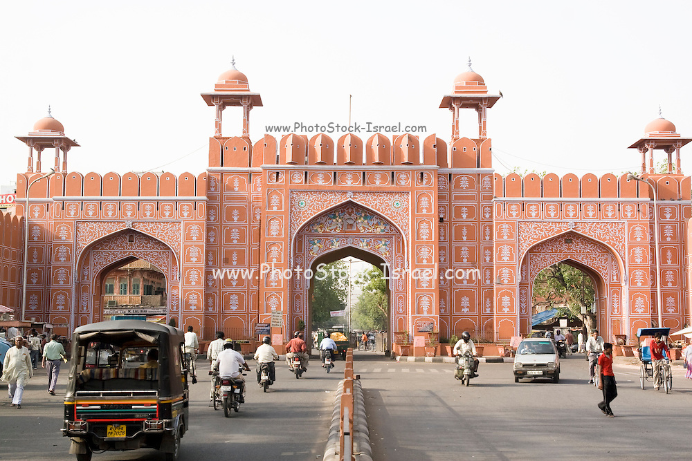 India, Rajasthan, Jaipur Downtown Chandpole Gate, entrance to the Pink City