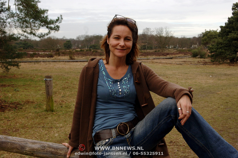 NLD/Huizen/20060327 - Wiljanne van Hardeveld, stichting Huizerdag Huizen