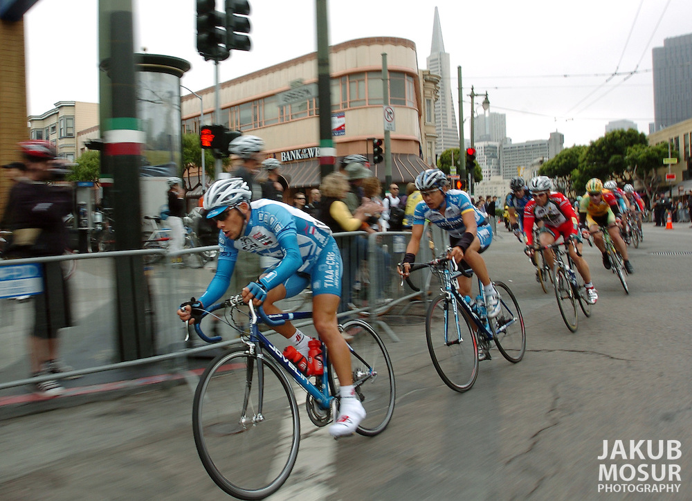Professional bicyclists rush down Columbus during the San Francisco Grand Prix..Event on 9/4/05 in San Francisco...JAKUB MOSUR / The Chronicle