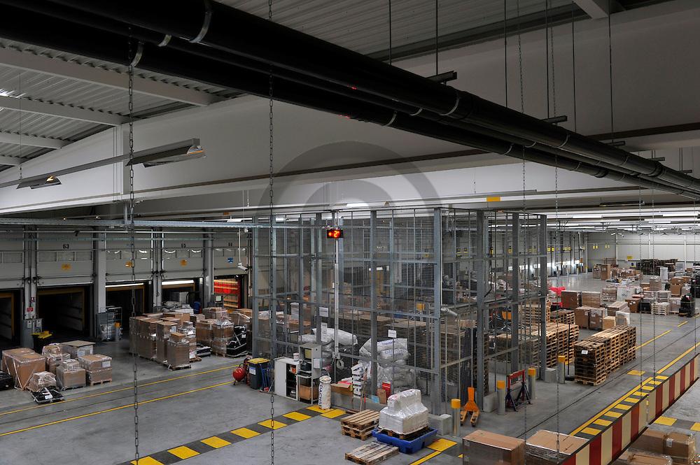 13/02/12 - COMBRONDE - PUY DE DOME - FRANCE - Plateforme logistique de l entreprise de fret routier DACHSER - Photo Jerome CHABANNE