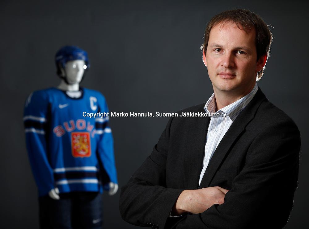 30082010, Helsinki. Suomen Jääkiekkoliitto ry:n toimitusjohtaja Matti Nurminen.