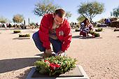 Christmas Wreath Laying In Phoenix