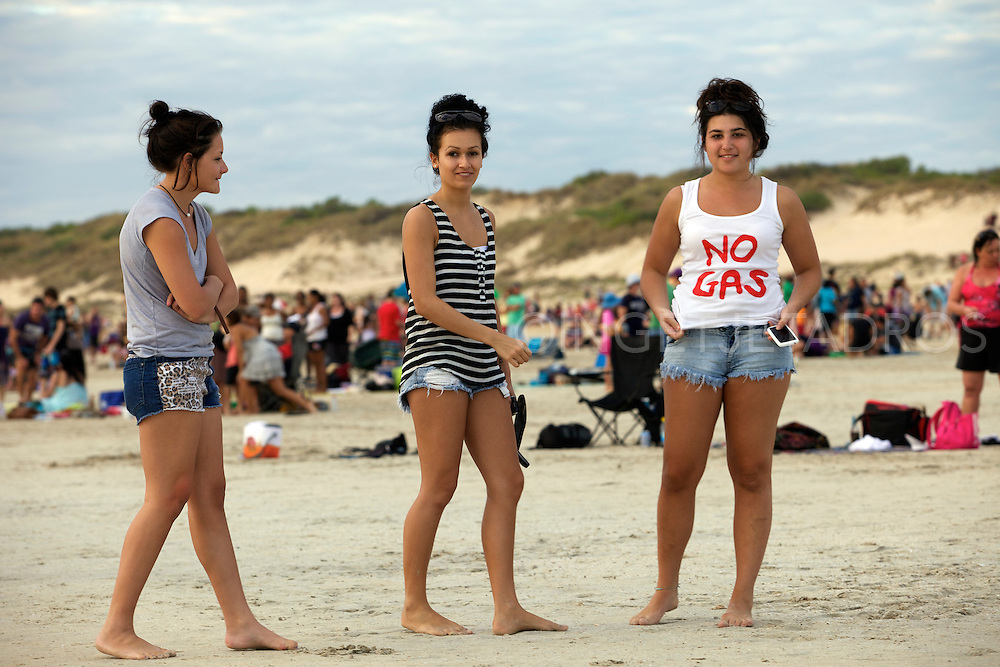 """'We love Broome"""" Broome families on Cable Beach 17-7- 2011.Photo by Ingetje Tadros.."""