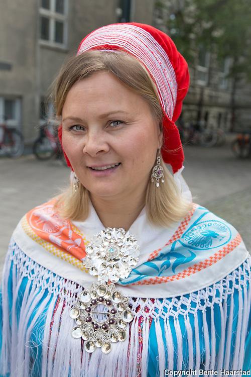 Representanter fra Samisk kirkeråd og den sørsamiske menigheten, Saemien Åålmege, møtte pilegrimsmarsjen i regi av Kirkenes verdensråds møte i Trondheim. Ved Metodistkirken, kirken som var arena for det første samiske landsmøtet i 1917. Nå er det ett år igjen til 100-årsjubileet. Sara Ellen Anne Eira, leder i Samisk kirkeråd, fra Kautokeino.