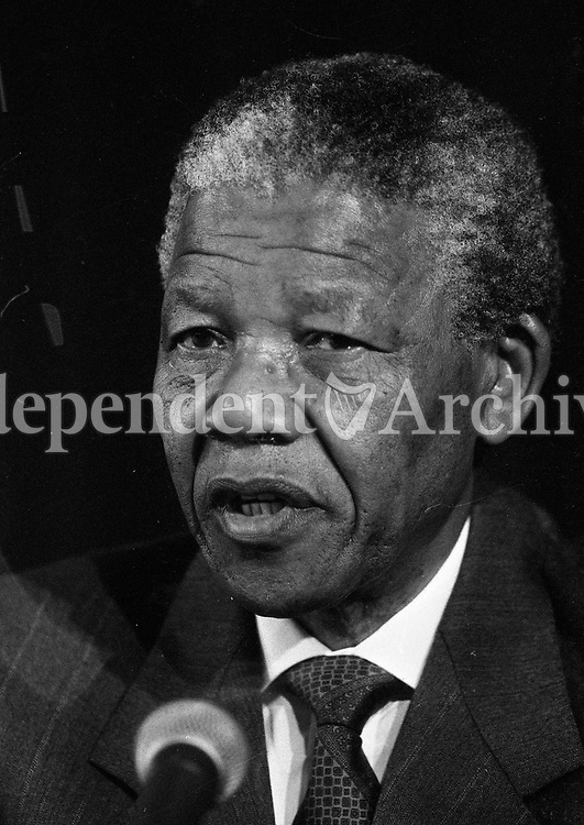 Nelson Mandela is pictured at the joint press conference at Dublin Castle, 02/07/1990 (Part of the Independent Newspapers Ireland/NLI Collection).