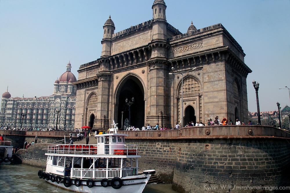 Asia, India, Mumbai. The Gateway of India in Mumbai.