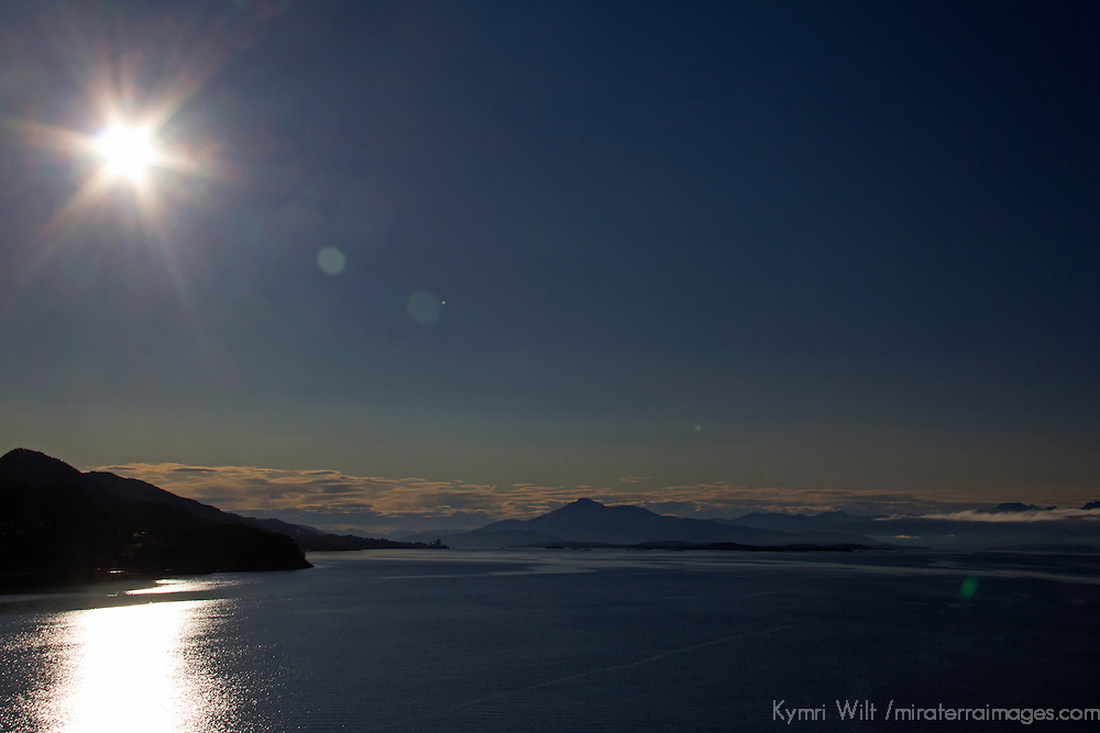 Europe, Norway, Sogn og Fjordane. Summer's midnight sun in Norway.