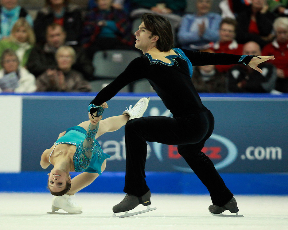 20101030 -- Kingston, Ontario -- Meagan Duhamel and Eric Radford of Canada skate their free skate in the pairs competition at Skate Canada International in Kingston, Ontario, Canada, October 30, 2010. <br /> AFP PHOTO/Geoff Robins