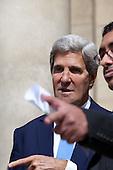 John Kerry and Arab League meeting in Paris