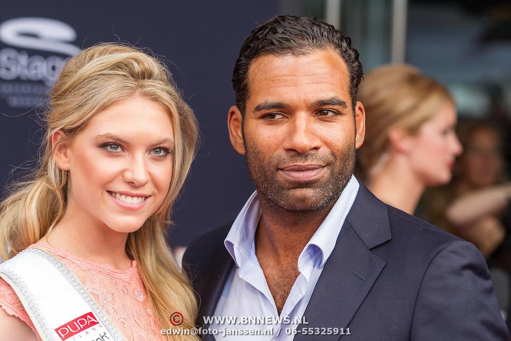 NLD/Utrecht/20150927 - Premiere musical The Bodyguard, Miss Nederland 2015 Jazzy Jess Vuijk en Edwin Jonker