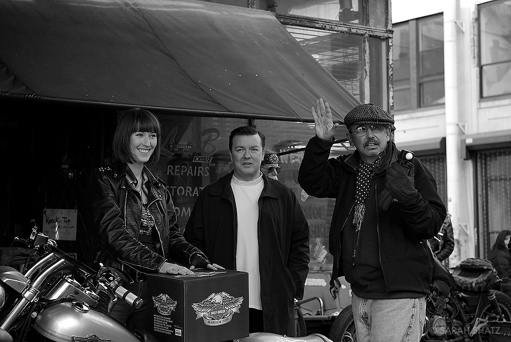 "Candace Thaxton, Ricky Gervais, Fred Murphy on the set of ""Ghost Town"" (Dir: David Koepp, 2008)"