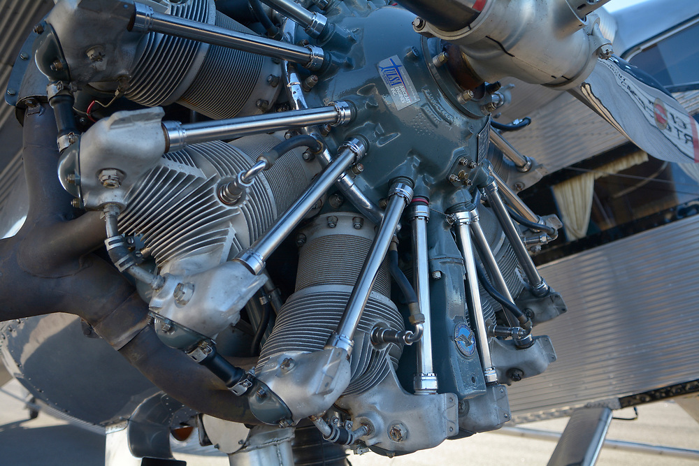 gbs040617e/RIO-WEST -- Cylinders of one of the three radial engines on a 1928 Ford Tri-Motor takes off from the Double Eagle II Airport on Thursday, April 6, 2017. (Greg Sorber/Albuquerque Journal)