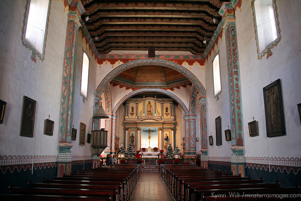 USA, California, Oceanside. Old Mission San Luis Rey de Francia interior nave.
