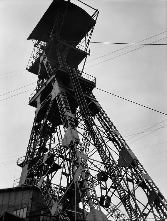 Shaft Tower, Coal mine Zeche Graf Beust, Essen, 1928