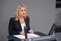 24 MAR 2017, BERLIN/GERMANY:<br /> Verena Bentele, Beauftragte der Bundesregierung<br /> f&uuml;r die Belange von Menschen mit Behinderungen, haelt eine Rede, waehrend der Bundestagesdebatte zum Teilhabebericht der Bundesregierung 2016, Plenum, Deutscher Bundestag<br /> IMAGE: 20170324-01-060